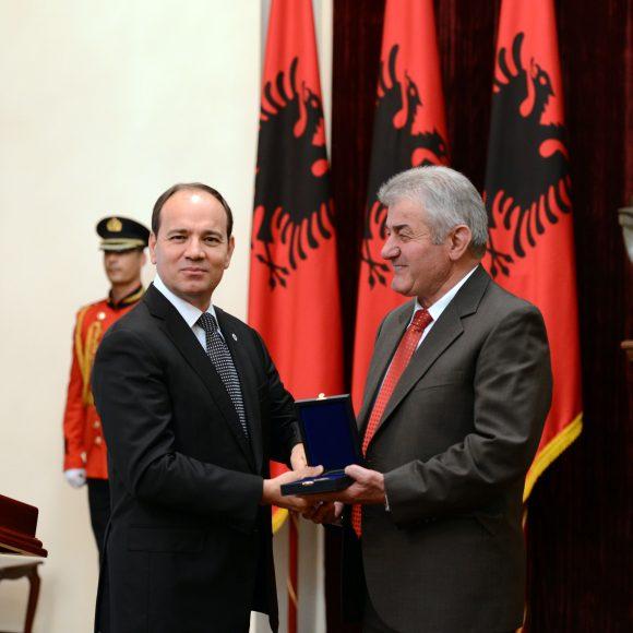 """Il discorso del Presidente della Repubblica, Sig. Bujar Nishani in occasione dell'assegnazione del titolo """" Grande Maestro"""""""