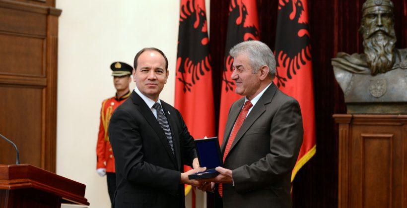 """Fjala e Presidentit të Republikës, Sh.T.Z. Bujar Nishani me rastin e akordimit të titullit """"Mjeshtër i madh"""""""